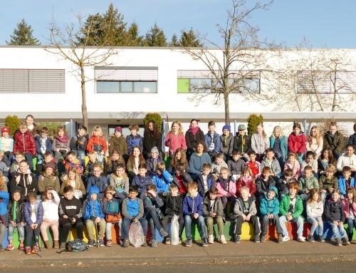 Fleißige kleine Sammler befreien Fronhausen von Müll und Unrat