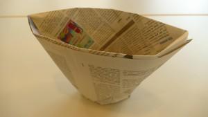 Umdrehen und aufstellen - die Papiertüte ist fertig!