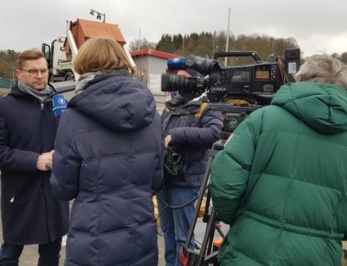 ARD-Dreharbeiten im Verbandsgebiet des MZV: Zuviel Altpapier sorgt für steigende Müllgebühren.